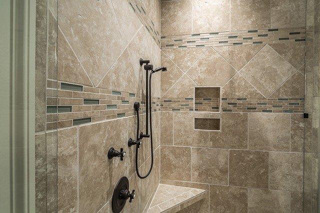 アメリカの家のシャワールーム